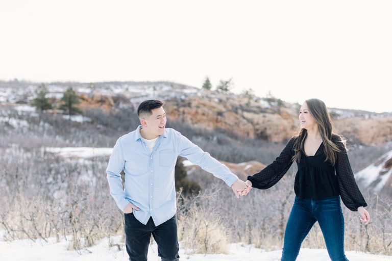 Engagement Photo Outfit Ideas | What to Wear for Your Engagement Session